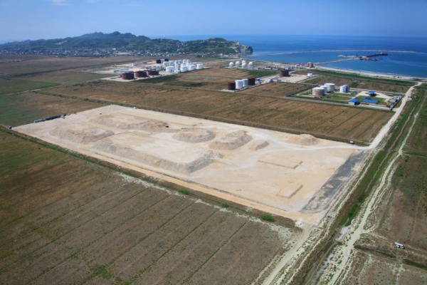 Construction of oil products terminal